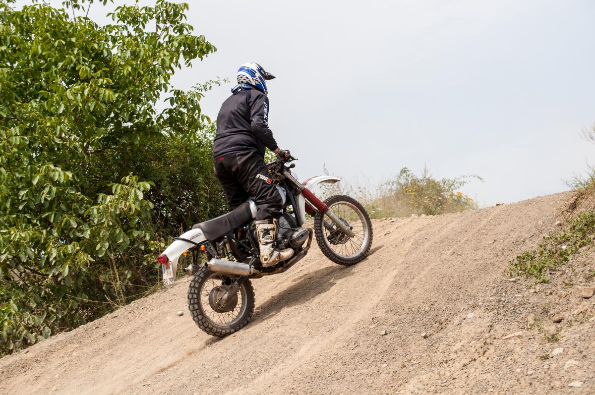 Simon Kress und seine klassische BMW Motorrad Enduro